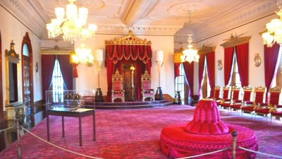 Hawaii's Historic Landmark –  The Iolani Palace
