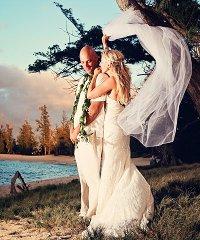 Kauai - Deluxe Beach Wedding