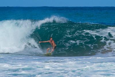 "Click for more information about the ""Surfari"" Advanced Surfing Tour."