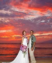 Make a resercation for a Romantic Maui Sunset with Maltese Dreams.