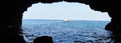 Travel Blog #158 - Exploring the Sea Caves of South Kona with Sea Quest