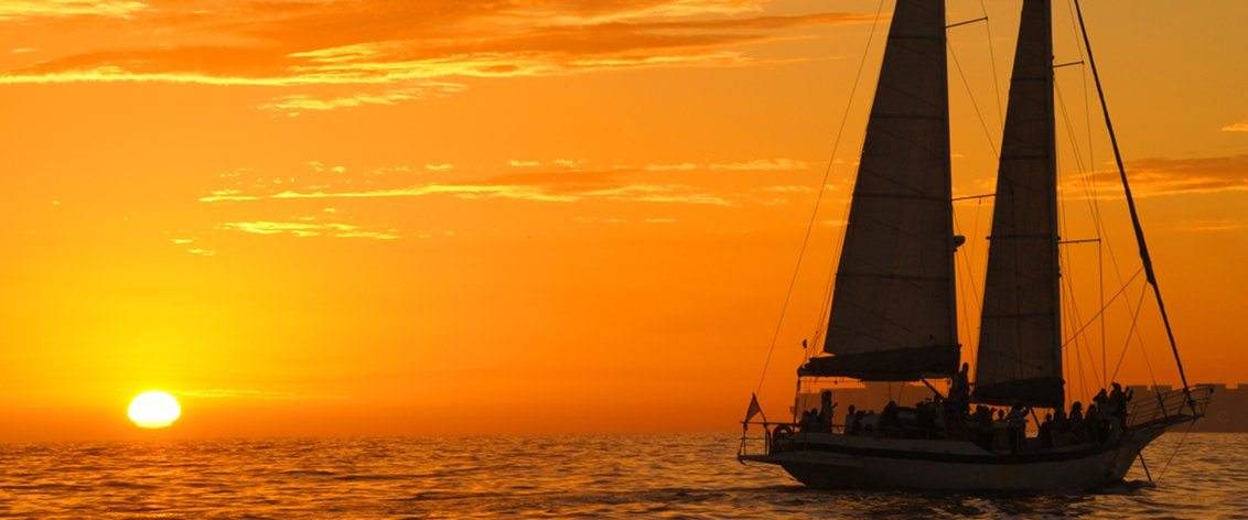 The Hawaii Sunset Cocktail Cruise is everyone's favorite in the islands.